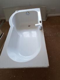 White Bathroom Suite - 'P' Shape Bath, Bath Shower Screen, Toilet and Cistern, Sink.