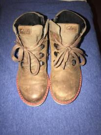 Kids Clarks boys boots size 11G