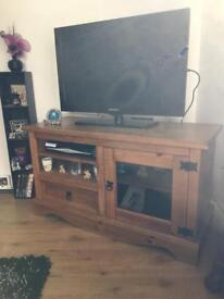 Mexican pine tv unit nest of tables and chest of drawers