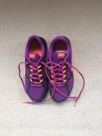 Nike Girls/ladies Dual Fusion Run 3 Running Shoes, Size 4 Worn Once