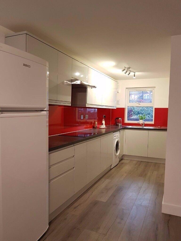 NEWLY REFURBISHED HOUSE, Single room furnished N15