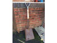 Bulldog British made contractors shovel
