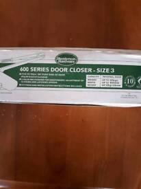 600 series door closer size 3