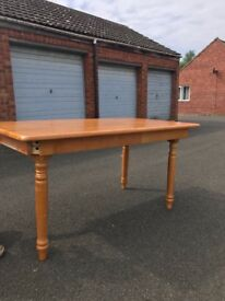 Brand New Pine Dining Table 4 legs & easy assemble