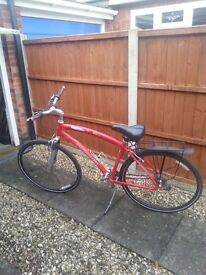 Mongoose Crossway Pro 450 mountain bike in red. Excellent condition. 8 gears. Ideal Xmas present
