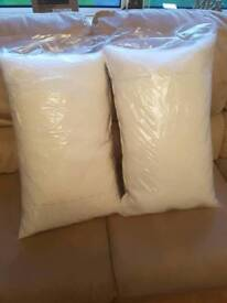 2 memory foam pillows brand new