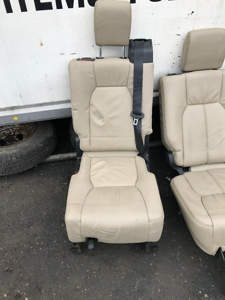 Land Rover discovery seats