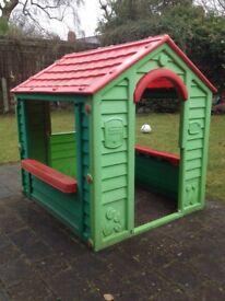 FREE outdoor kids playhouse