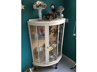 Vintage display cabinet, upcycle project