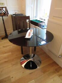 Glass table 1 metre diameter new for sale
