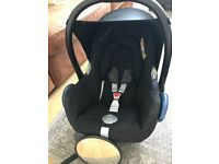 Maxi Cosi Cabriofix Car Seat and base