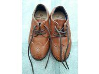 Boy's smart shoes