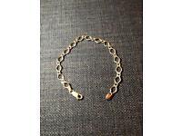 9ct solid gold bracelet Hallmarked 2.7gr