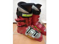 Brand new ski boots (with free skis)