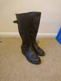 Size 3 brown winter boots