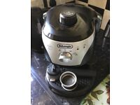 De Longhi Coffee Maker with cappuccino nozzle