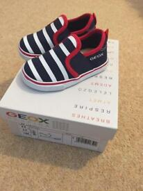 Brand new geox canvas toddler shoes EU20 size 3.5