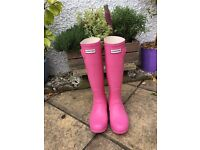 Ladies pink hunter wellies, size 4