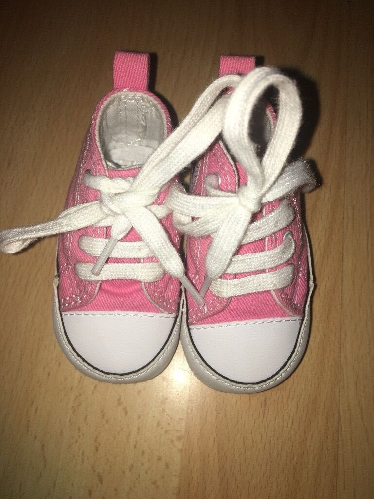 Babies uk size 1 pink genuine Converse shoes
