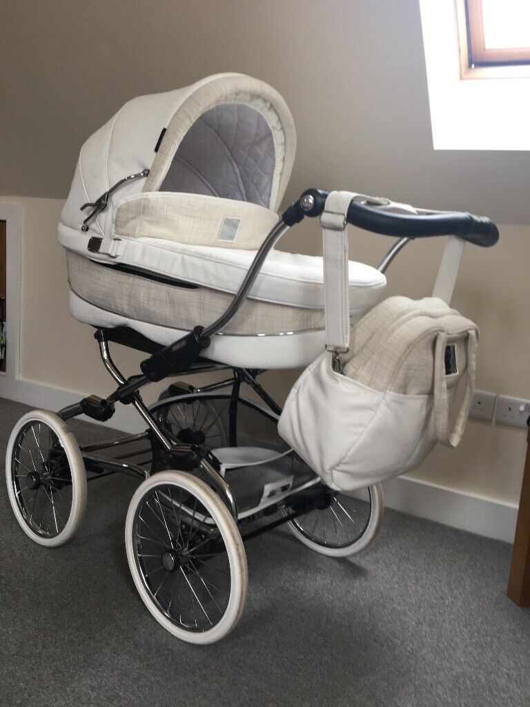 Broderie Anglaise Pushchair Seat Liner Compatible with Bebecar
