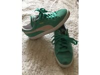 Puma Suede trainers size 4