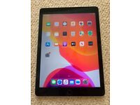 APPLE IPAD AIR 2 WIFI IOS14 - with charger Great condition - can deliver