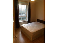 Companies welcome! 3 bed plus lounge near Brick Lane, available now!