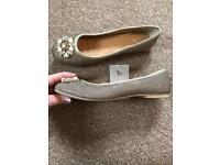 New Gold flat shoes, size 4.