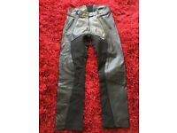 Ladies black RICHA motorbike trousers size 16s front zip