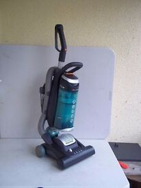 HOOVER GLOBE GL71 GL01 001 UPRIGHT BAGLESS COMPACT VACUUM - NO TOOLS - IMMACULATELY CLEAN