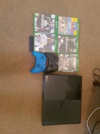 Xbox one 500g 2 controllers and games