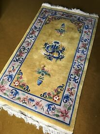 Beautiful thick oriental style rug, approx 30 years old in excellent condition.