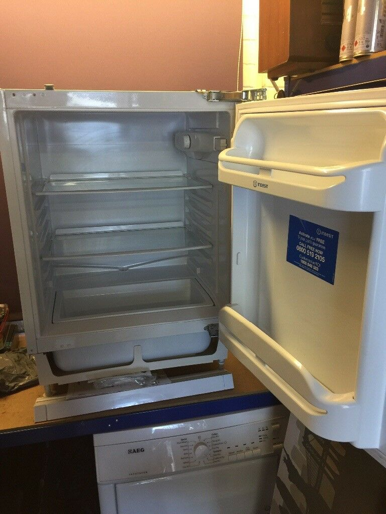 Integrated fridge white Indesit