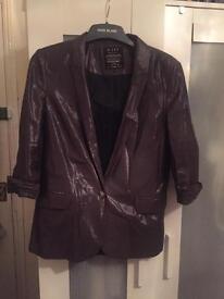 Women's wet-look fabric suit jacket