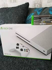 Xbox one s with 5 games