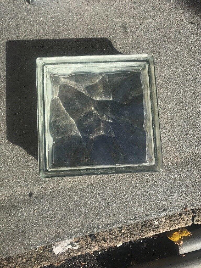 Glass brick blocks