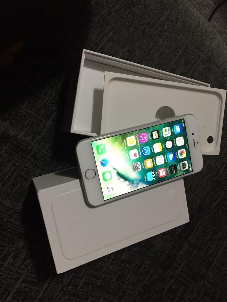 Pristine iPhone 6 silver 16GB unlocked to any network