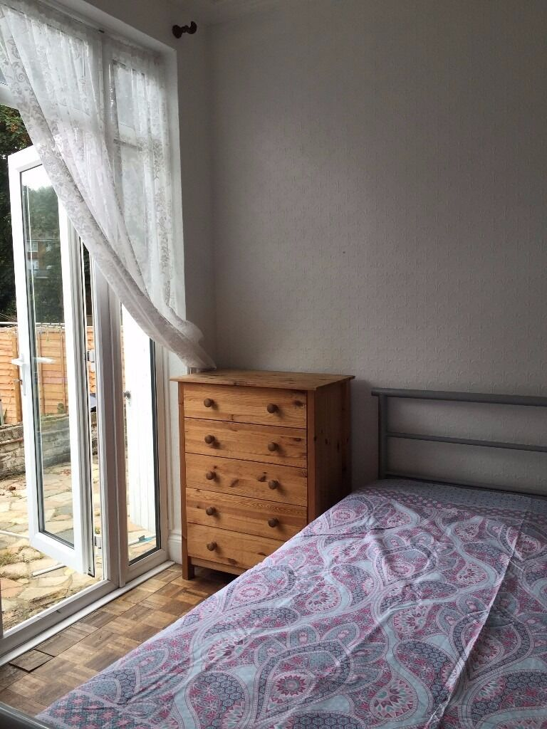 DOUBLE ROOM FOR FEMALE ( WITH LATIN FAMILY)