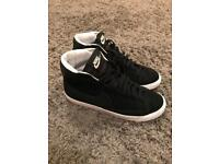 Nike hi-tops black size 5.5. Excellent condition