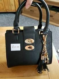 Black dune handbag