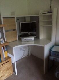 Computer corner workstation