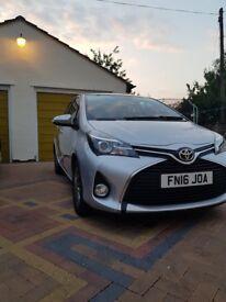 Toyota Yaris 1.3 VVT-i Icon 5 dr, 2016 reg. Sat nav & rear camera Hpi clear. Warranty. BARGAIN!