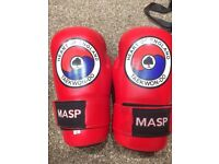 Medium, red TKD gloves (NEW)