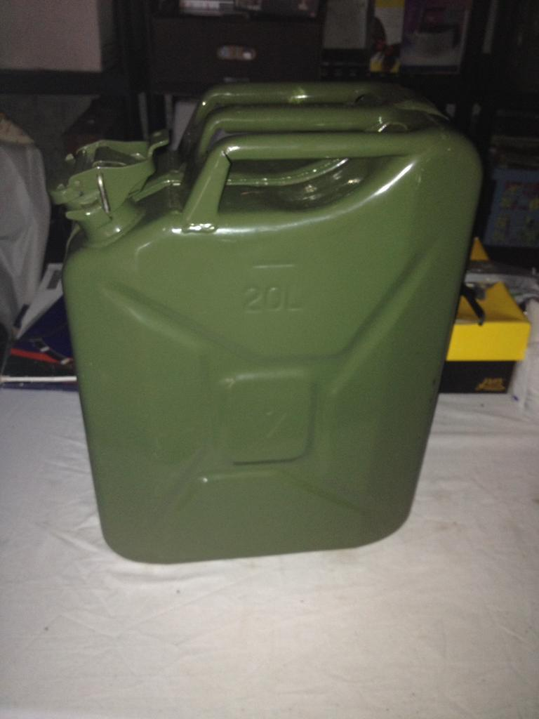 20 ltr fuel container.