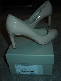 Hobbs nude patent court shoes 38