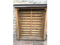 Log store for sale. Excellent condition