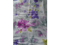 NEW UNUSED PRETTY FLORAL COTTON FABRIC SUIT SEATING CUSHIONS BAGS 1 YD 33 INS X 56 INS WIDE