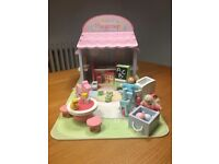 Doll play group