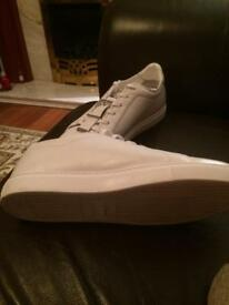 GENTS WHITE VERSACE TRAINERS
