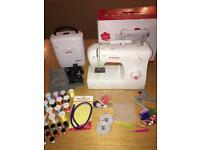 Singer Sewing Machine 2250 Singer Sewing Box over 25 Cotton Reels pins tools